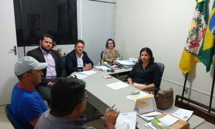 Boa Viagem: Sindicato APEOC se reúne com prefeita para tratar da pauta dos professores e motoristas do transporte escolar