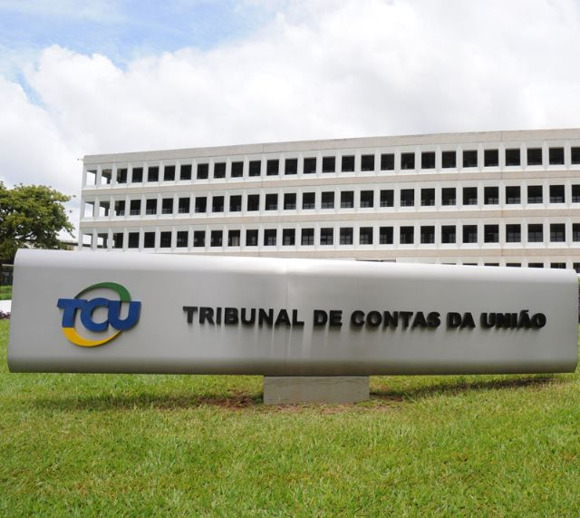Presidente do Sindicato APEOC repudia decisão do TCU sobre Precatórios do FUNDEF