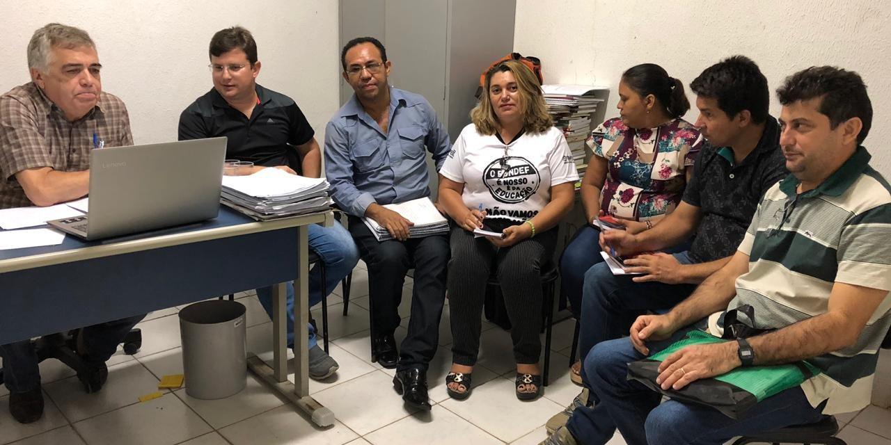 Morrinhos: Sindicato APEOC discute 1/3 para planejamento, Reajuste, Plano de Carreira e Ampliação com gestão municipal