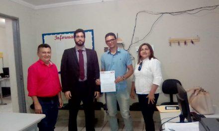 Parambu: Sindicato APEOC protocola Pauta de Reivindicações na Secretaria de Educação