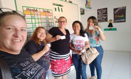 Acaraú: Sindicato APEOC entrega carteirinhas aos filiados