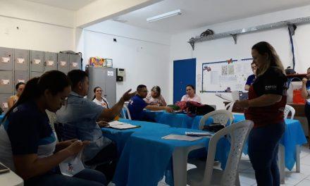 São Gonçalo do Amarante: Sindicato APEOC faz reunião com profissionais da Educação durante visita nas escolas