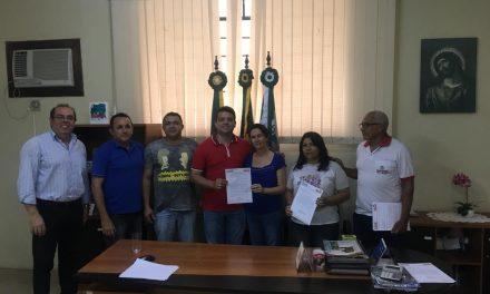 Santana do Cariri: Sindicato APEOC entrega Pauta de Reivindicações a gestores municipais