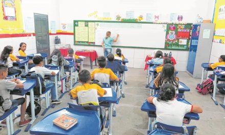 Um a cada três professores do CE não é formado na disciplina que ensina
