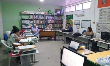 Fortim: Sindicato APEOC participa de encontro para avaliação de desempenho dos professores