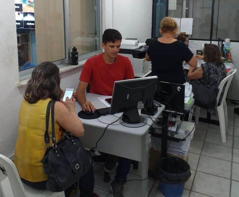 APEOC recebe filiados para atualização do eSocial