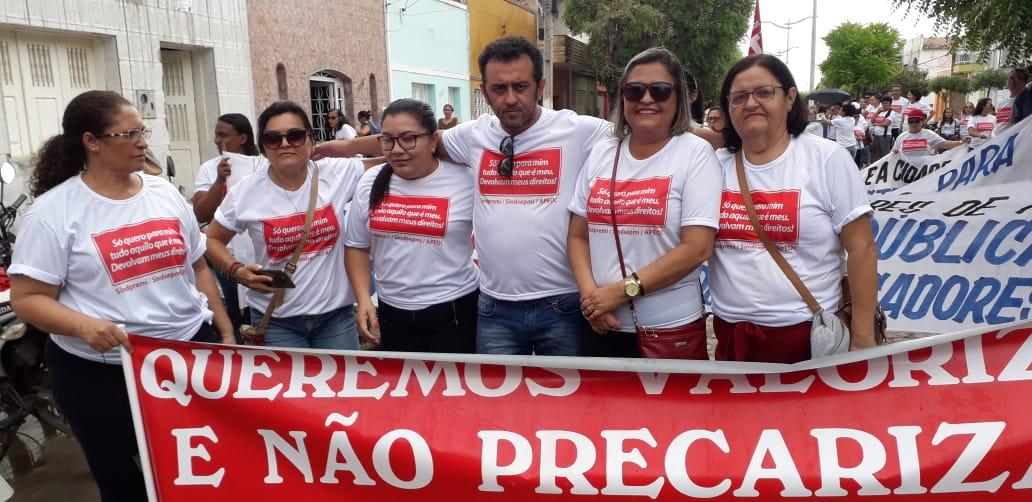 Icó: professores vão às ruas cobrar rateio do Precatório do FUNDEF, Ampliação e Reajuste