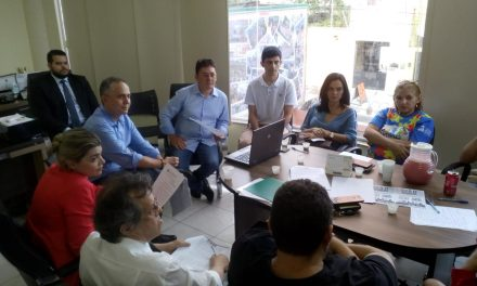Fortaleza: APEOC discute redução de carga horária para professores com filhos com deficiência