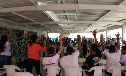 Sindicato APEOC discute estrutura de escola que desabou o teto no Vicente Pinzon