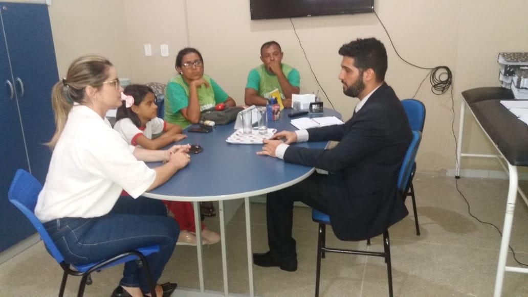 Solonópole: APEOC discute processos trabalhistas e realiza atendimento jurídico