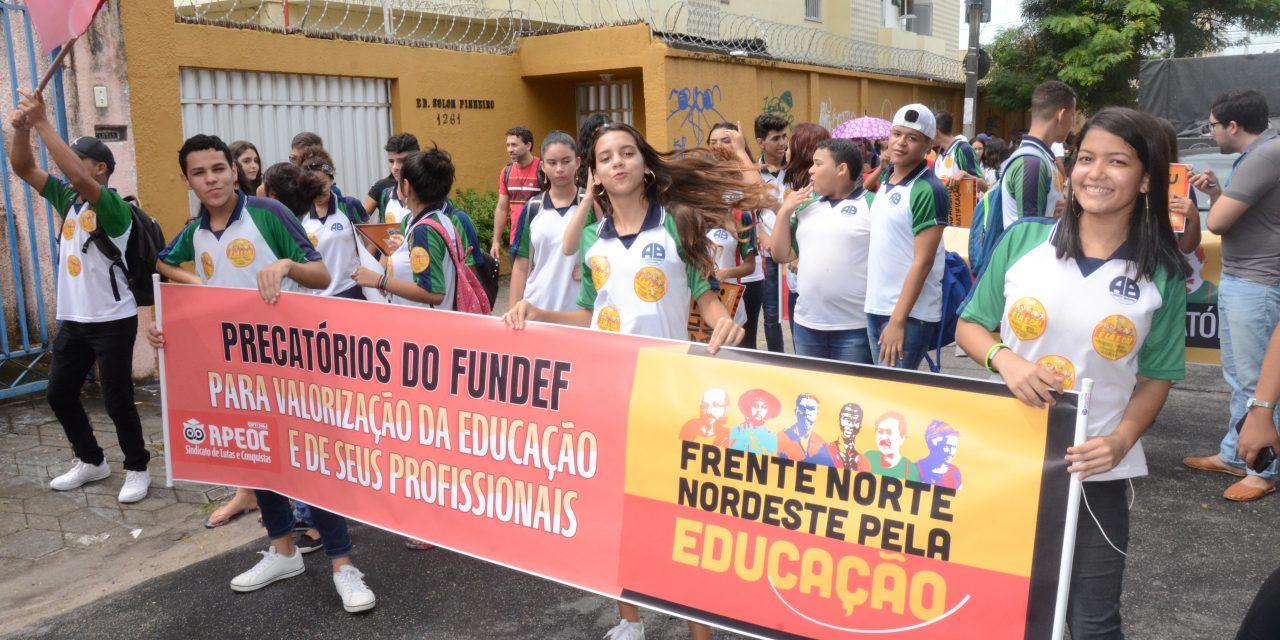 Dia D em Defesa da Educação: Professores protestam por precatórios do FUNDEF