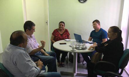 Novo ISSEC: APEOC cobra resolução do problema de atendimento