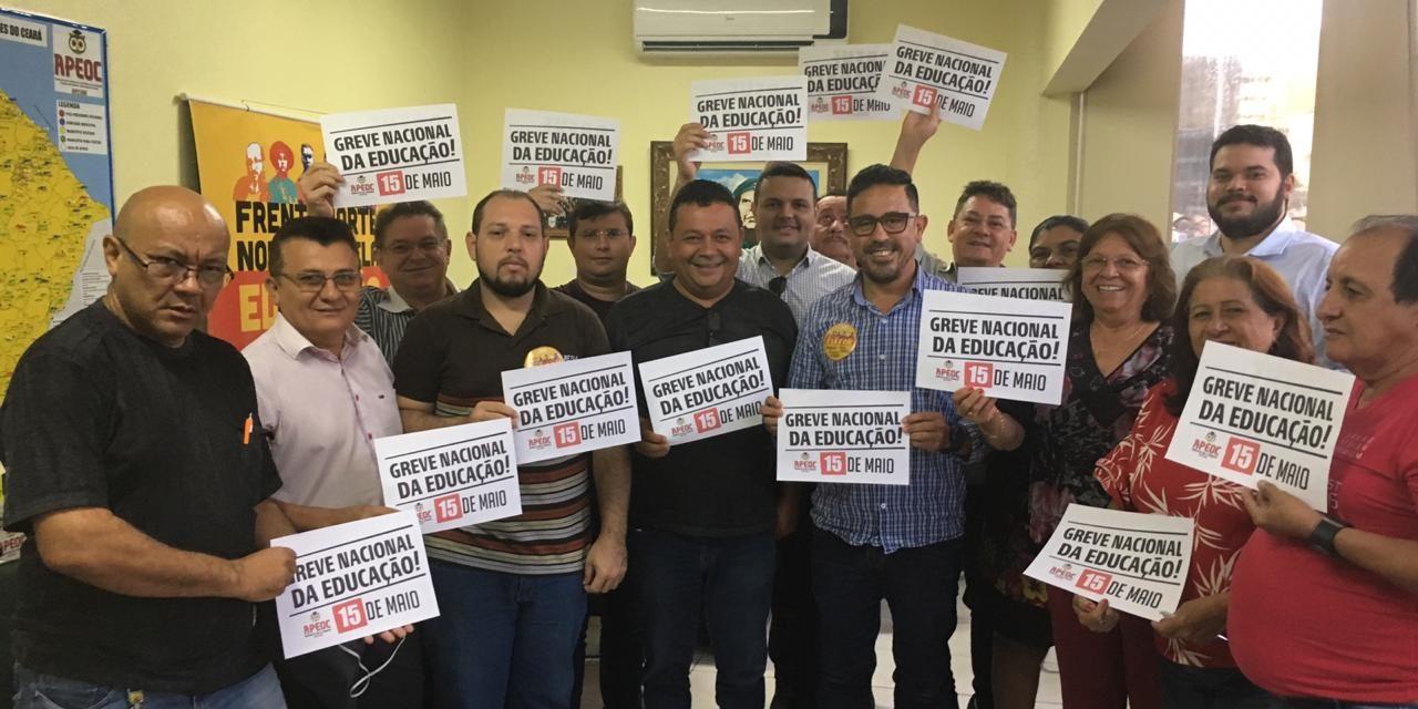 Greve Nacional da Educação: APEOC adere paralisação do dia 15 de Maio
