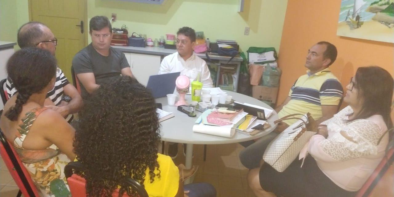 Paracuru: APEOC cobra regularização dos Quinquênios com a Prefeitura