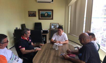 Sindicato APEOC recebe dirigentes do SINDIPETRO