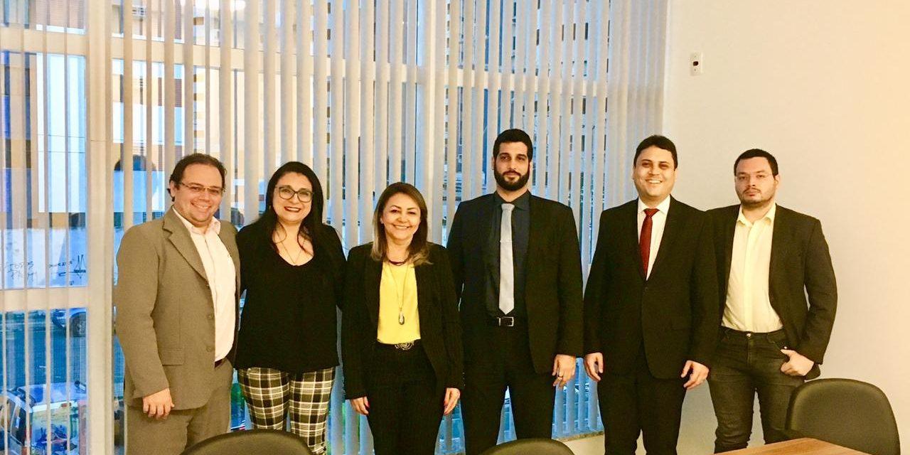 APEOC participa de reunião da Comissão de Direito Sindical da OAB/CE