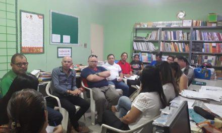 Fortim: APEOC participa de reunião de com profissionais da Educação