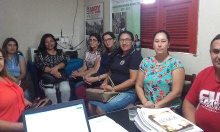 Tauá: APEOC defende pauta dos secretários escolares em reunião
