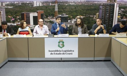 APEOC PARTICIPA DE AUDIÊNCIA PÚBLICA SOBRE ENSINO DE FILOSOFIA E SOCIOLOGIA NA EDUCAÇÃO BÁSICA E ENSINO SUPERIOR