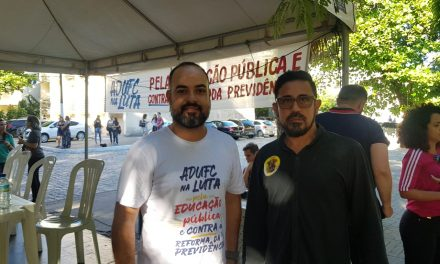 APEOC PARTICIPA DE ASSEMBLEIA NA UFC PARA FORTALECIMENTO DO TSUNAMI DA EDUCAÇÃO