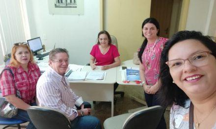 AQUIRAZ: APEOC REUNE-SE COM SECRETÁRIA DE EDUCAÇÃO