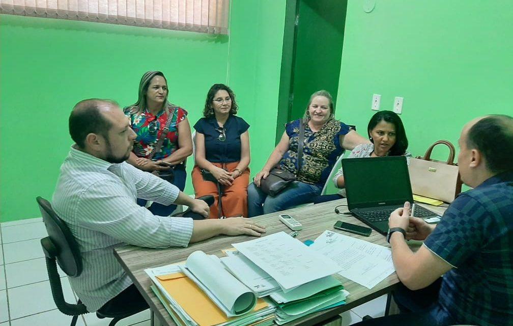 ACARAÚ: APEOC COBRA MESA DE NEGOCIAÇÃO, PROGRESSÕES E LIBERAÇÃO PARA MANDATO CLASSISTA