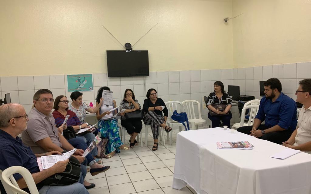 CHÃO DA ESCOLA: APEOC DEBATE PRECATÓRIOS, CAMPANHA SALARIAL E PREVIDÊNCIA