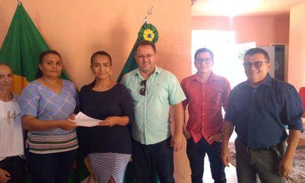 BAIXIO: APEOC DISCUTE MANDATO CLASSISTA E FORMALIZA NOVA COMISSÃO