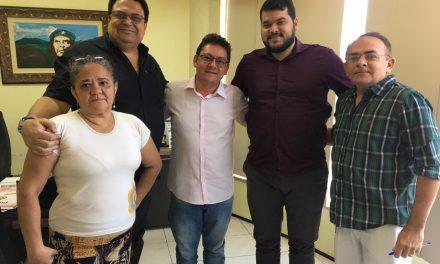 APEOC DISCUTE AMPLIAÇÃO DEFINITIVA EM REUNIÃO COM COMISSÃO DE PROFESSORES