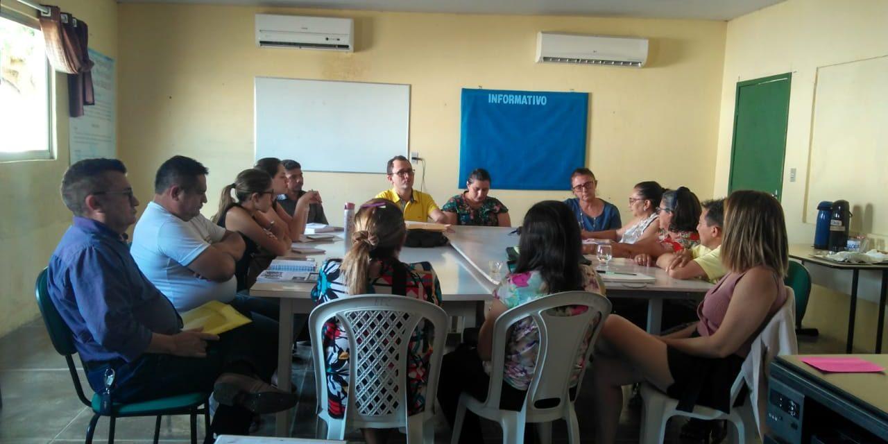 TAUÁ: APEOC PARTICIPA DE REUNIÃO DA COMISSÃO DE PRECATÓRIOS