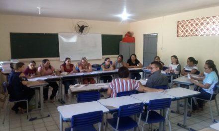 PALMÁCIA: APEOC E CATEGORIA ANALISAM PLANO DE CARREIRA