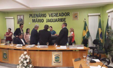 JAGUARUANA: APEOC DISCUTE REESTRUTURAÇÃO DE CARGOS NA CÂMARA MUNICIPAL