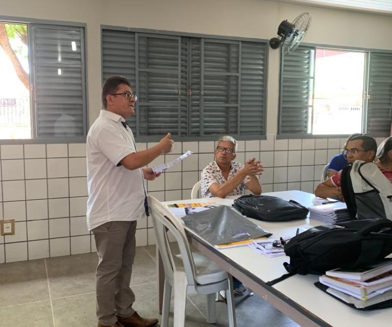 APEOC VISTA ESCOLAS EM MOBILIZAÇÃO PARA A III BICICLETADA DA EDUCAÇÃO