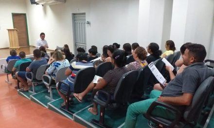 ASSARÉ: APEOC DISCUTE ORGANIZAÇÃO SINDICAL E FINANCIAMENTO DA EDUCAÇÃO EM ENCONTRO COM PROFESSORES