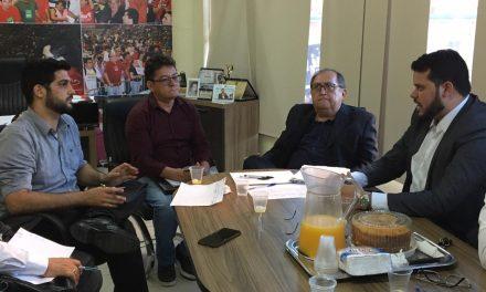 COMISSÕES DE PRECATÓRIOS E COMUNIDADE ESCOLA DA OAB REÚNEM-SE NA APEOC