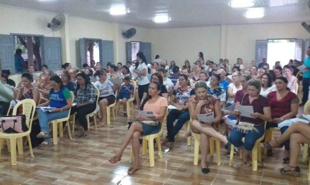 VARJOTA: APEOC DEBATE FINANCIAMENTO DA EDUCAÇÃO E LUTA POR UMA EDUCAÇÃO DE QUALIDADE