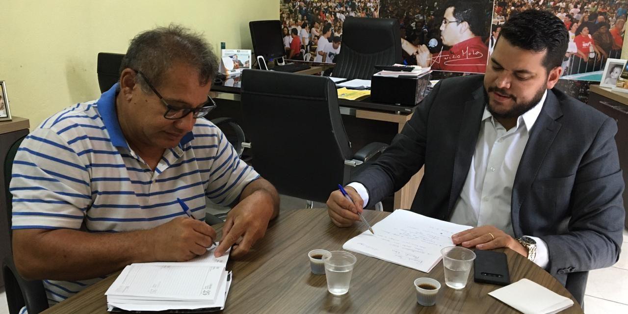 MORADA NOVA: APEOC DISCUTE PAUTA DE REIVINDICAÇÃO, REGIME DE PREVIDÊNCIA MUNICIPAL E AMPLIAÇÃO