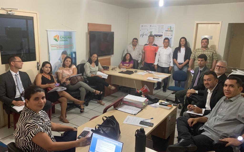 CAUCAIA: APEOC DISCUTE CAMPANHA SALARIAL 2020 COM PREFEITURA
