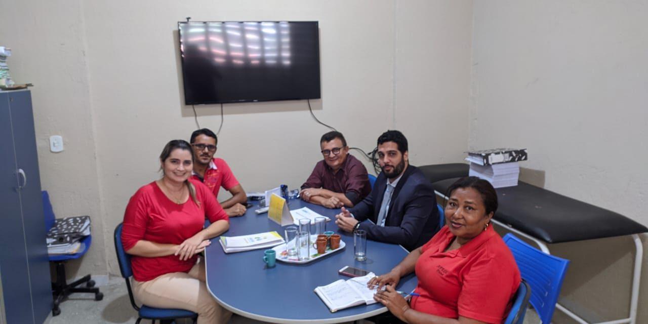 SOLONÓPOLE: APEOC PARTICIPA DE REUNIÃO NO PREVSOL E REALIZA ATENDIMENTO JURÍDICO