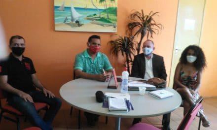 PARACURU: APEOC DISCUTE PCCR, PRECATÓRIOS E RETORNO ÀS AULAS PRESENCIAIS COM A PREFEITURA