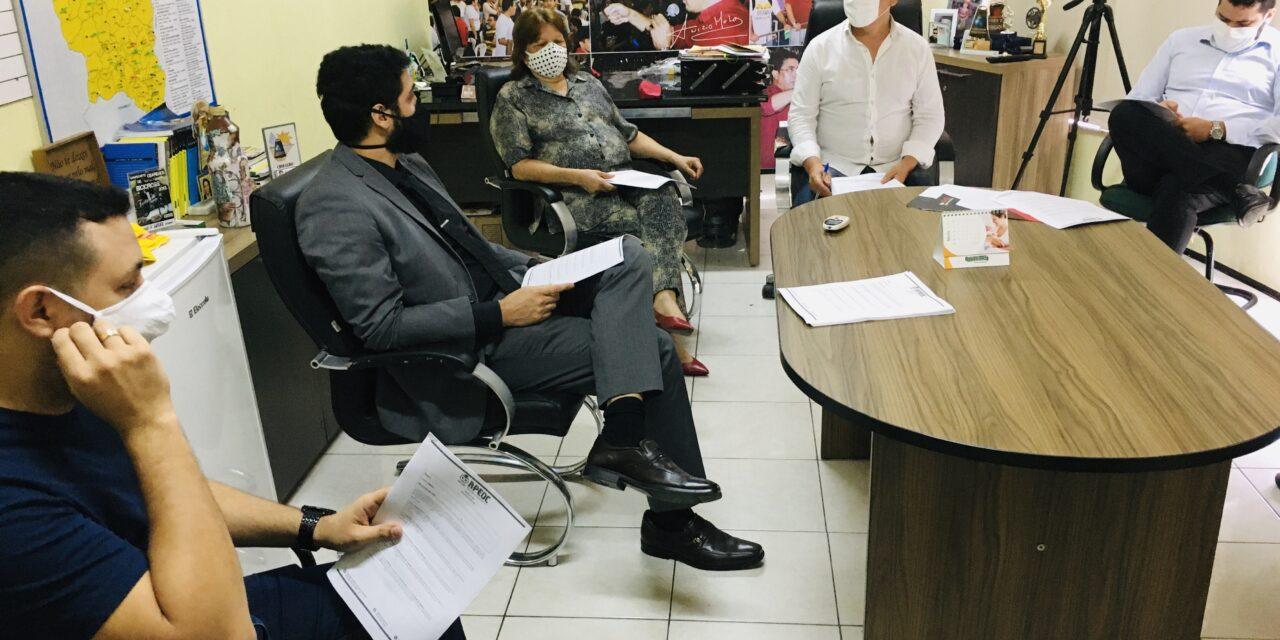 PLANTÃO DA EDUCAÇÃO: DIRETORES REUNIDOS PARA TRATAR DA FISCALIZAÇÃO DAS ESCOLAS