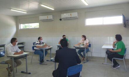 VISITAS CONTINUAM: MAIOR ESCOLA ESTADUAL DE PACAJUS ESTÁ INAPTA AO RETORNO ÀS AULAS