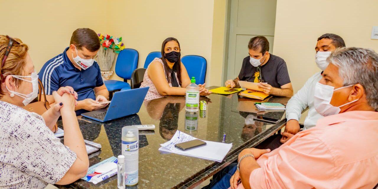 JAGUARUANA: APEOC REUNE-SE COM GESTÃO MUNICIPAL