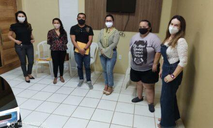 ACARAÚ: EM MESA DE NEGOCIAÇÃO COM A APEOC, PREFEITURA ANUNCIA VAGAS PARA AMPLIAÇÃO TEMPORÁRIA DE CARGA HORÁRIA
