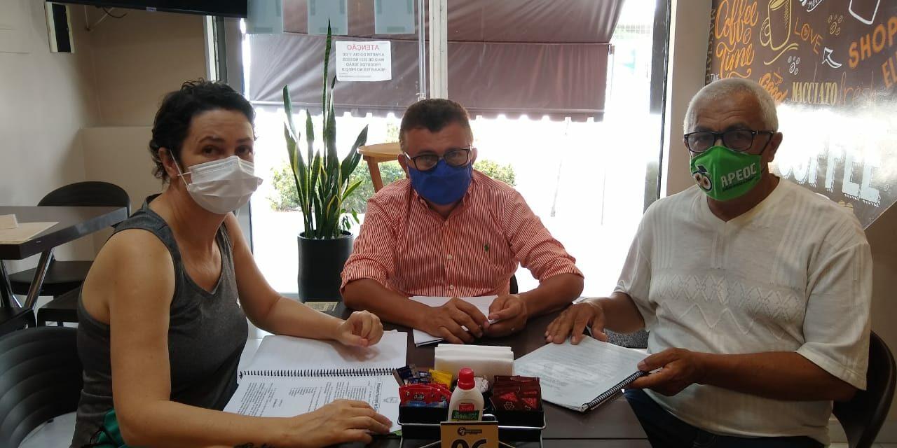 SANTANA DO CARIRI: APEOC DEBATE ENCAMINHAMENTOS SOBRE CONTRATAÇÃO DE BANCA DE ADVOGADOS