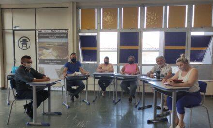 ASSARÉ: APEOC DISCUTE PLANO DE CARGOS E CARREEIRAS E PAUTAS PENDENTES